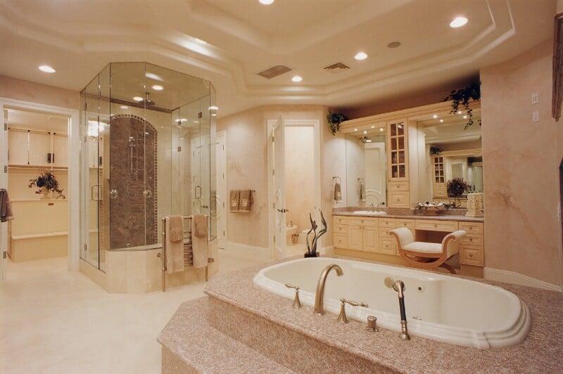 disined bath (102)