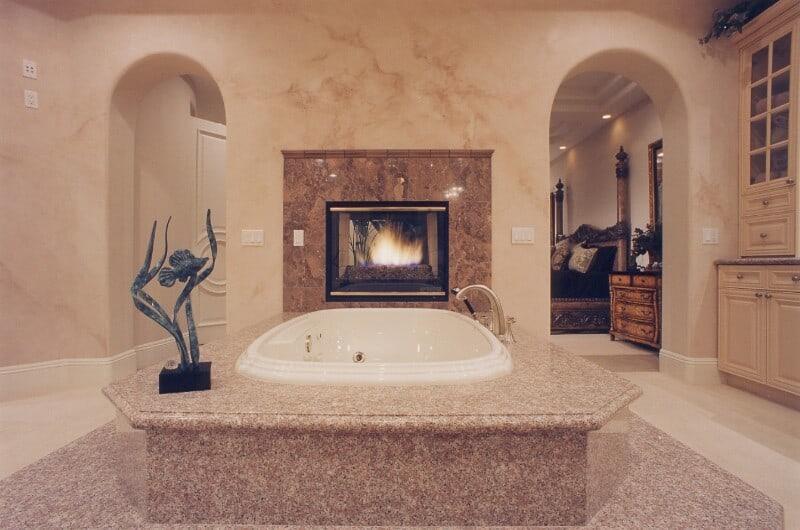 disined bath (103)